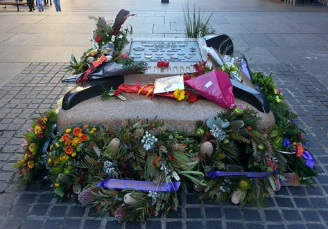 Exclusive photo for 100th centenary anniversary, Commando Memorial seat, Martin place, Sydney